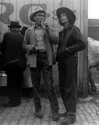 Morris Engel, Couple at the Horse Auction, Brooklyn, New York 1947, Photography