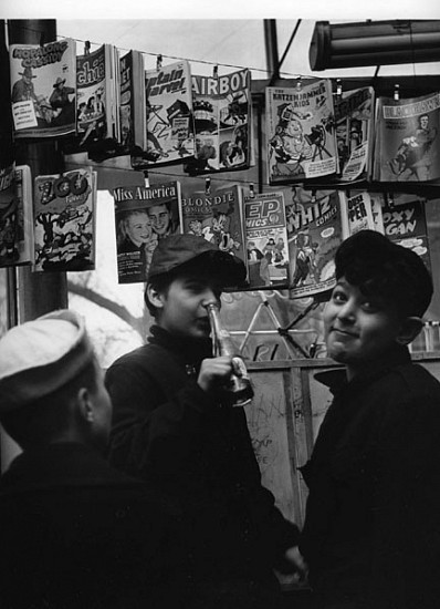 Morris Engel, Comic Book Stand, Chicago 1949, Photography