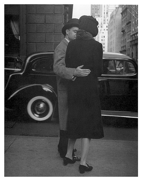 Morris Engel ,   Park Avenue, New York City  ,  1938     photograph ,  14 x 11 in. (35.6 x 27.9 cm)     ME503