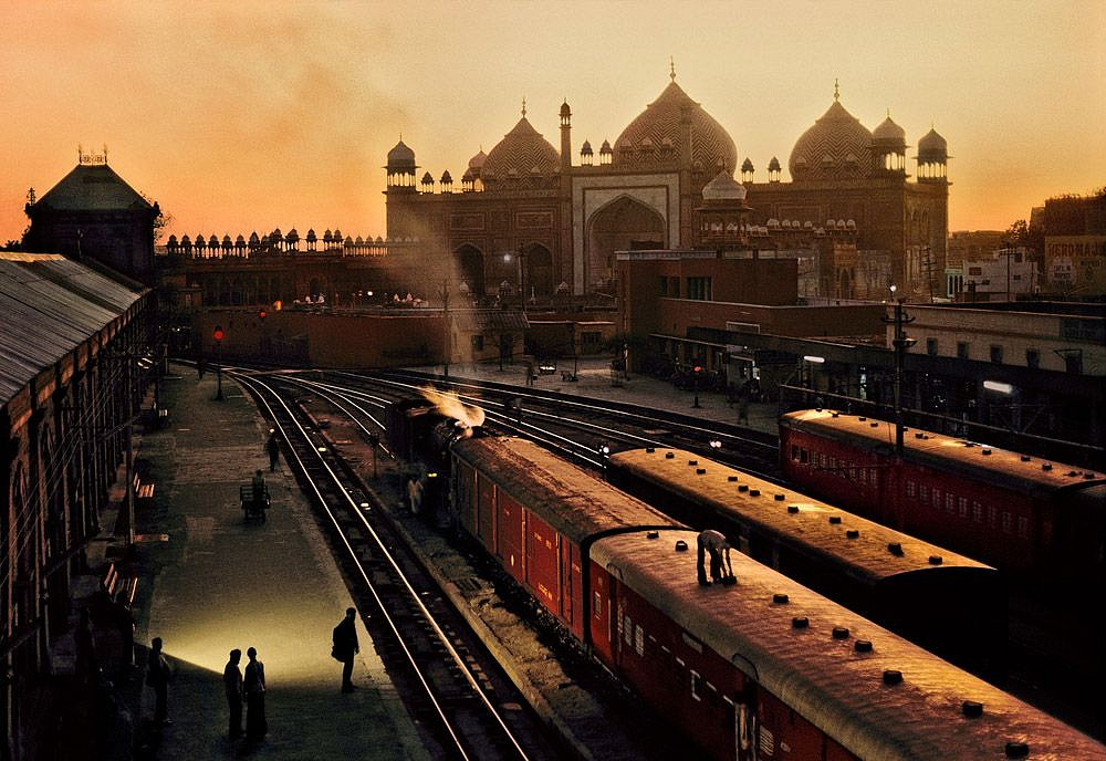 Steve McCurry ,   Train Station, Uttar Pradesh, India  ,  1983     FujiFlex Crystal Archive Print ,  30 x 40 in.     INDIA10303NF2
